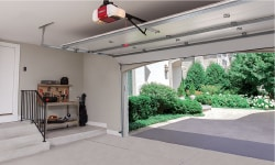 Close or Open your Garage Door with LiftMaster MyQ